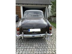 Mercedes Benz 220 SE Ponton W128